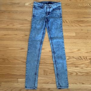 H&M High Rise Jeans   NWOT